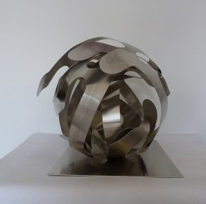 T236 boule entrelacs aluminium 40x40 sur socle
